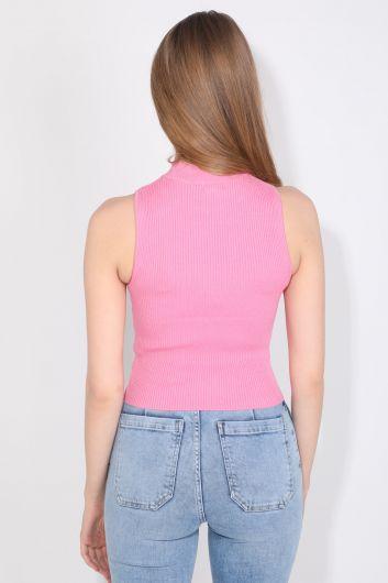Женская розовая трикотажная блузка без рукавов с воротником под горло в рубчик - Thumbnail