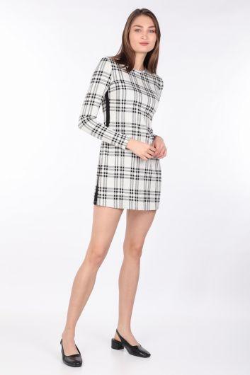فستان نسائي قصير مستقيم منقوش بأكمام طويلة - Thumbnail