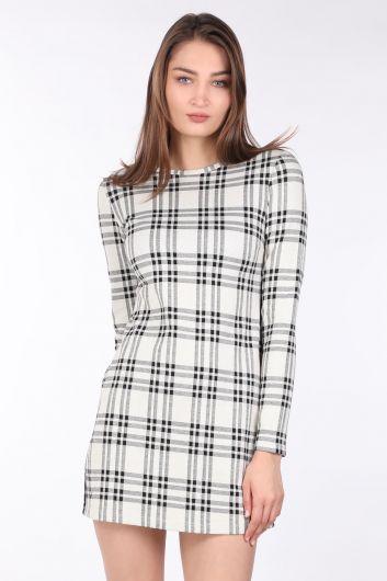Женское клетчатое прямое мини-платье с длинным рукавом - Thumbnail