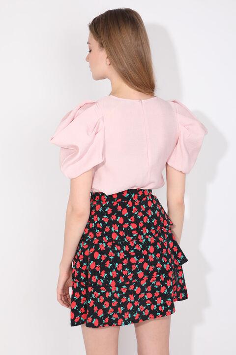 Женская пудровая блузка с воздушными рукавами