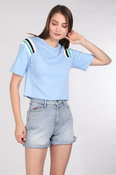Укороченная женская футболка в рубчик синего цвета