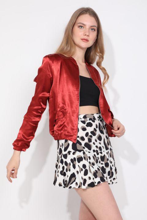Женская куртка-бомбер на молнии с отделкой из плитки и оборками