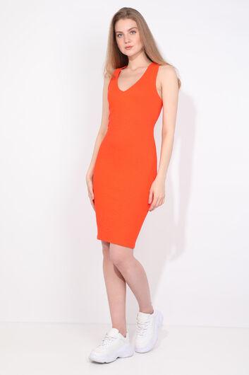 MARKAPIA WOMAN - فستان نسائي بياقة V برتقالي بقصة ضيقة (1)