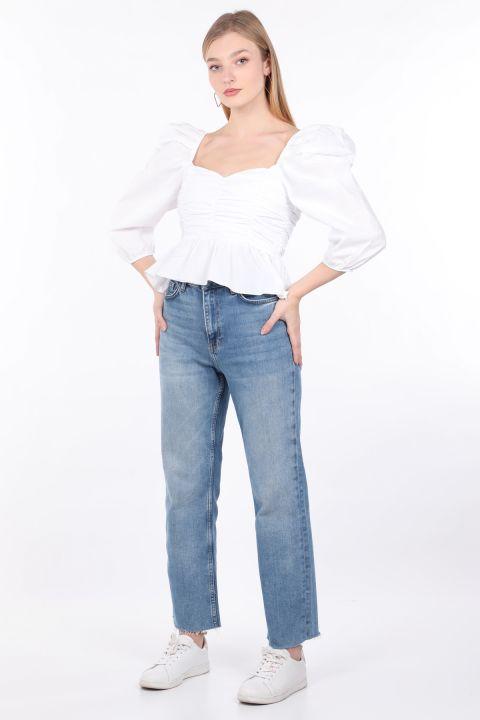 Женская белая укороченная блуза с драпировкой