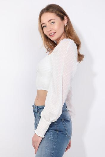 Женская белая укороченная блузка с поясом - Thumbnail