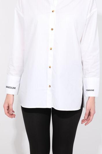 قميص صديقها أبيض شق للمرأة - Thumbnail