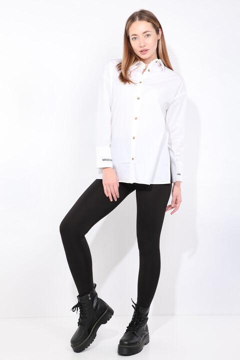Женская белая рубашка-бойфренд с разрезом