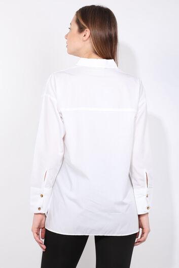 Женская белая рубашка-бойфренд с разрезом - Thumbnail