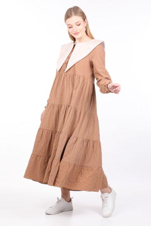 فستان قماش قطني برقبة واسعة للنساء