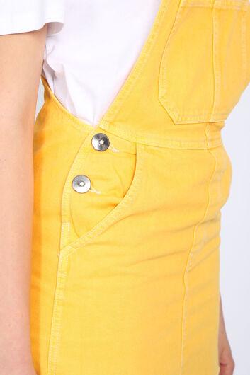 Женский желтый джинсовый комбинезон с юбкой - Thumbnail