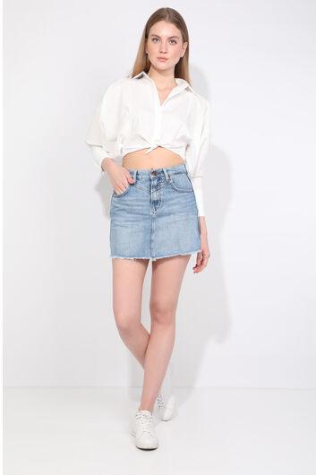 Женская синяя джинсовая мини-юбка с вырезом - Thumbnail