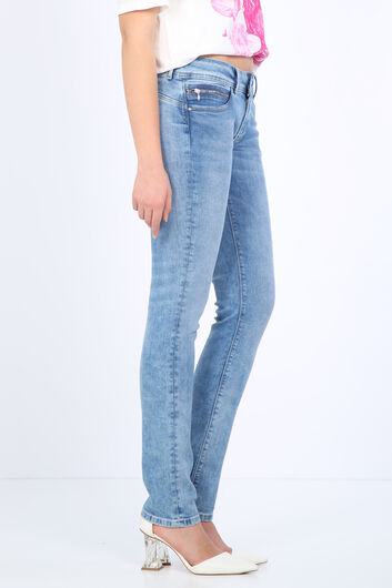 BLUE WHITE - بنطلون جينز نسائي بجيب أزرق فاتح (1)