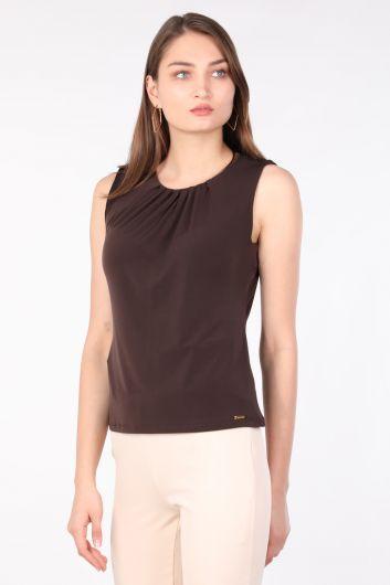 Women's Collar Pleated Sleeveless Blouse Bitter Brown - Thumbnail