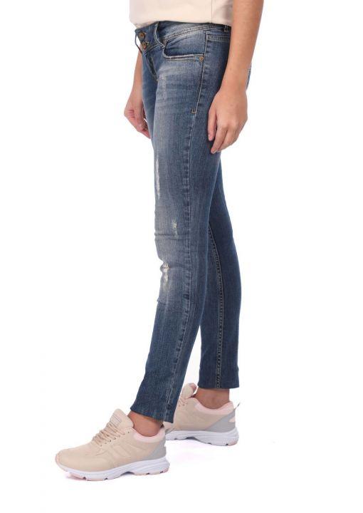بنطلون جينز نسائي ممزق