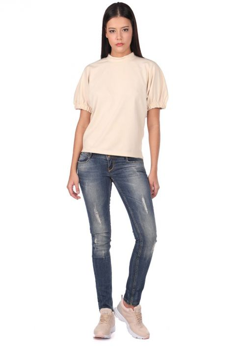Женские рваные джинсовые брюки с детализированной отделкой