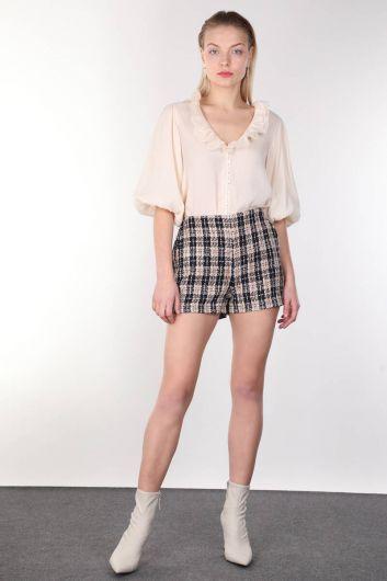 Женские шорты из плотной ткани в клетку с карманами - Thumbnail